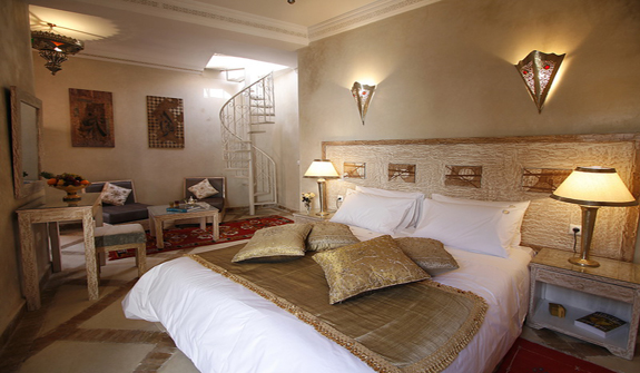 Riad al rimal riad al rimal in marrakech instant booking for Chambre blanc et taupe