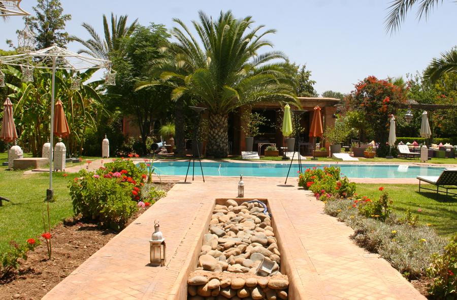 et140-villa-catherine-acces-piscine.jpg