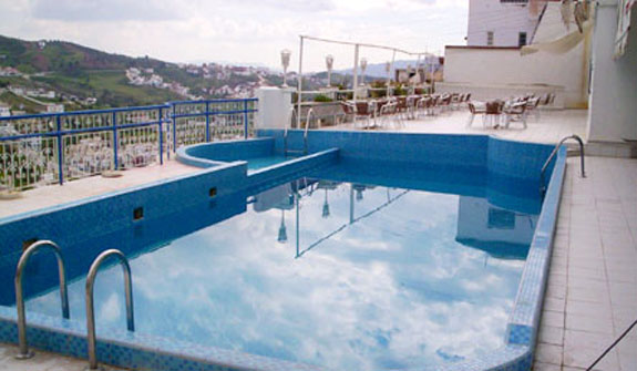 Hotel parador hotel parador in chefchaouen instant for Club piscine pool heater