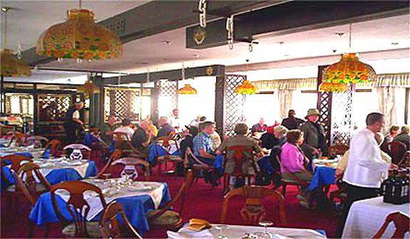 et174-restaurant.jpg