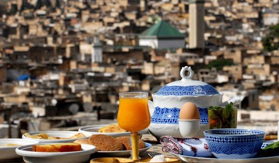 et269-riad-maroc-arabesque.jpg