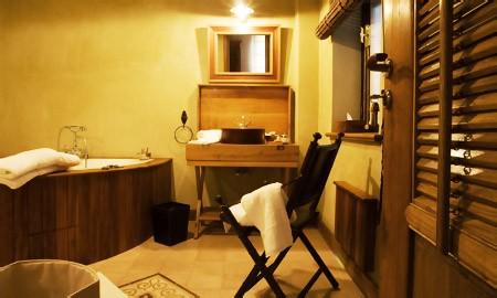 et274-villa-de-lo-bath.jpg