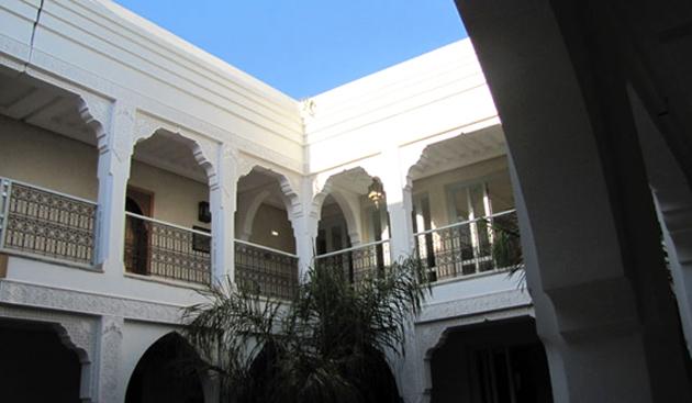 villa-blanche-patio.jpg